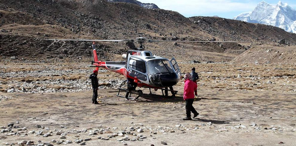 Helicopter rescue from Dingboche